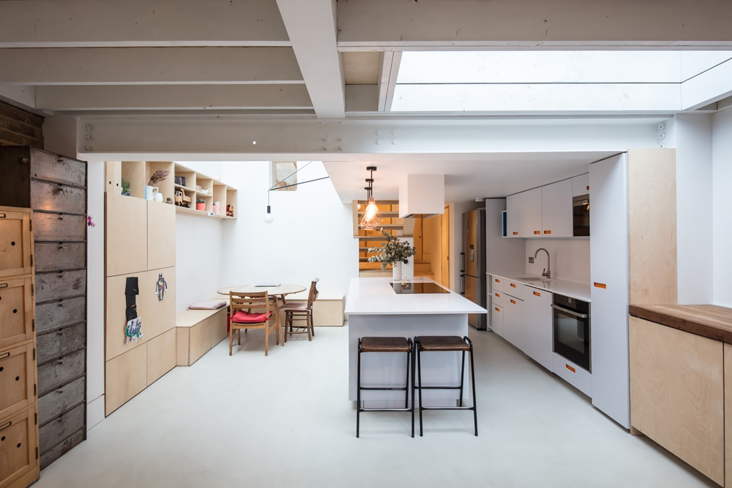 Peter Morris Architects BIRCH HOUSE white kitchen rooflight